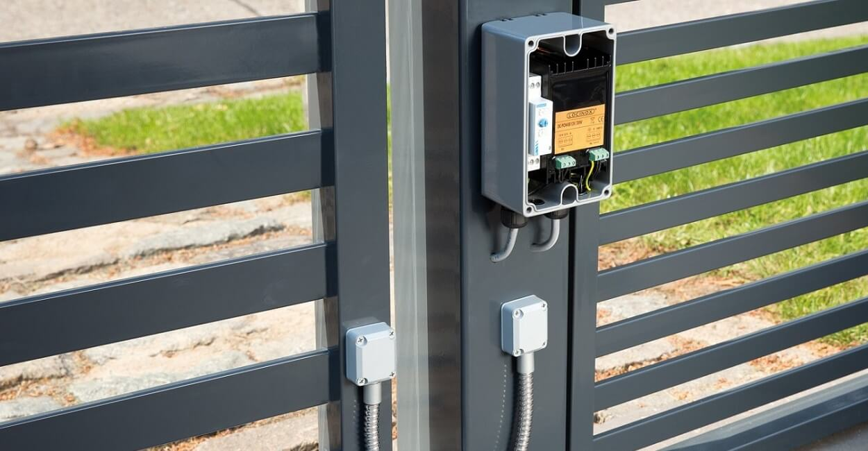 No matter what the problem we can effect an electric gate repair to all properties throughout the Rayleigh area.